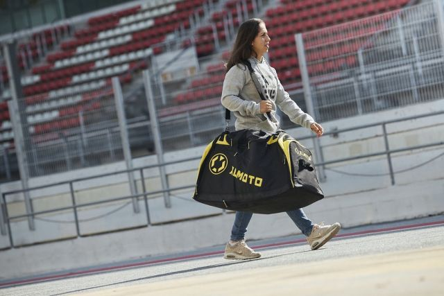 @mariaherrera_6 Rocking the XLMOTO Gearbag on her way to the pits🏁 #xlmoto  #gearbag  #race  #roadracing