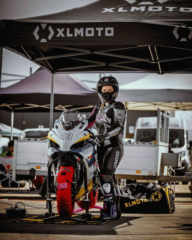 The calm before the storm ⛈ [ @thebella.lit ] 📷  @idan.g.photography  #xlmoto