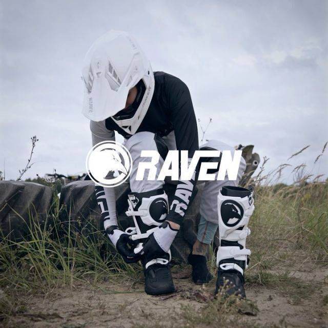 Do believe the hype 🔥  ⬇️ Raven Champion boot ⬇️  Features: • Constructed from wear-resistant microfibres with polyurethane reinforcements and shaft • Soft polyurethane padding in the ankle area • Polyurethane reinforcement on toe and heel • Moulded rubber sole • Heatshields • 4 finely adjustable and interchangeable aluminium buckles • Silicon-lined boot shaft • Double-layered ankle protection • Gear shift lever protector • Complies with EN 13634:2017 #24mx  #raceboot  #ravensportsofficial  #motox  #motocross  #motocrosslife  @ravensportsofficial