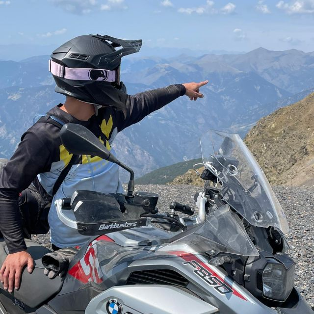 ☀️Enjoying the last days of summer? ☀️  What is your next motorcycle route?   #ravensportsofficial  #ravengoggles #adventuretravel  #offroading  #mxgear #24mx