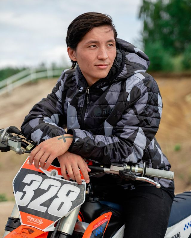 If you are looking for a jacket that will make you stand out from the crowd, the @ravensportsofficial Montana puffer is the one you are searching for! Available at 24mx, check it out! #24mx  #ravensportsofficial  #attitude  #motoX