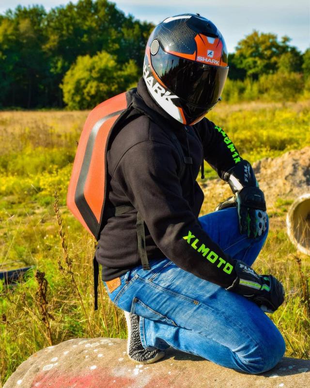 Ready for 2019! 💪🏼 . . Cred: @sferaar_96 #motorcyclehoodie #xlmoto #xlmotohoodie #xlmotobackpack #slipstream #course #coursebackpack