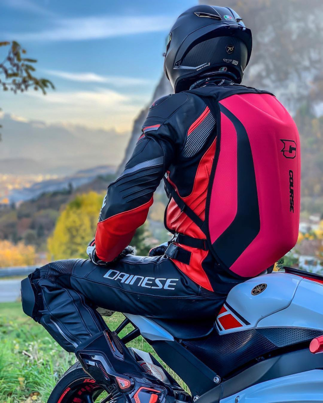 Nothing beats a ride with a view ♥️ . . Cred: @biker_ranger #course #coursebackpack #motorcyclebackpack #xlmoto #xlmotobackpack